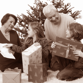 Tipy na darček pre babku a dedka k sviatočným príležitostiam